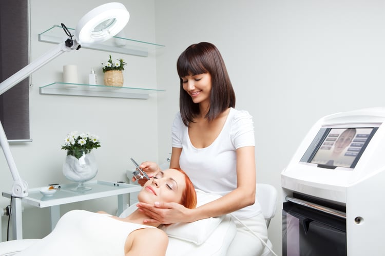 cosmetologist beauty care